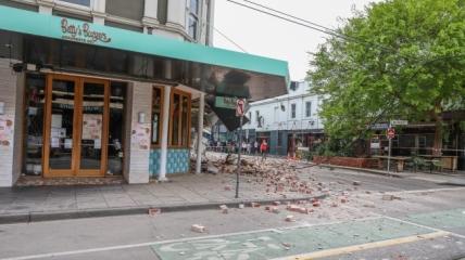 Последствия землетрясения в Мельбурне.