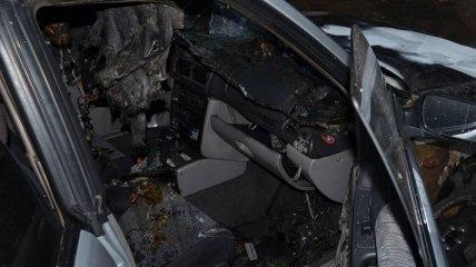 """Главе """"Правого сектора"""" Херсонщины сожгли авто"""