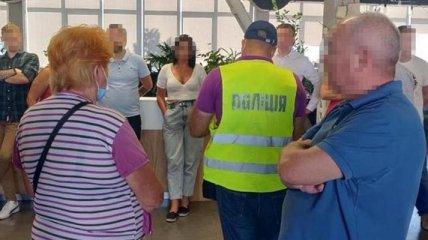В Киеве накрыли турагентов, которые отправляли на оздоровление пророссийских боевиков и военных РФ (фото)