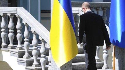 Эксперт: Яценюк может оставить за собой пост премьера