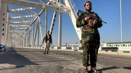 Бойцы Талибана в Хайратане