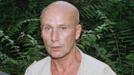 Сорок лет спустя: Во Франции обвинили писателя за отношения с несовершеннолетними