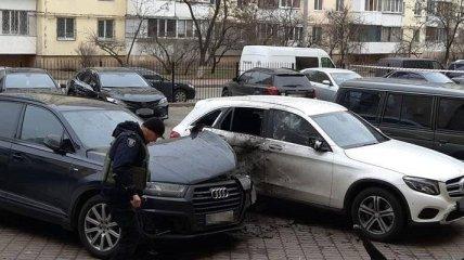В Киеве бросили гранату в автомобиль - пострадал водитель