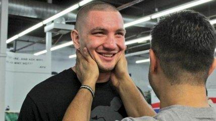 Непобедимый украинский боксер проведет первую защиту титула в США