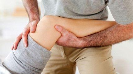 Медики рассказали, как избавиться от боли в коленях