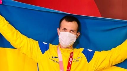 Игорь Цветов с украинским флагом