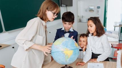 Привітання першій вчительці
