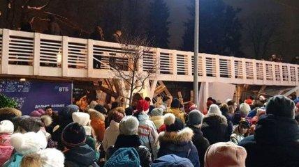 В московском парке на людей обрушился мост, есть пострадавшие