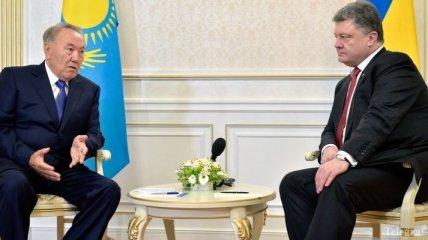 """Украина и Казахстан будут развивать транзитную сеть в рамках """"Шелкового пути"""""""