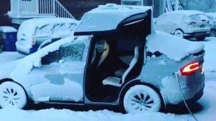 Как реагирует электромобиль Tesla Model X на 40-градусный мороз (Видео)