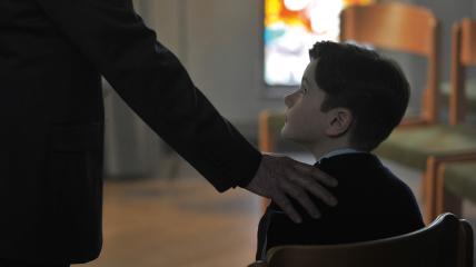 Чаще всего служители Церкви растлевают маленьких мальчиков