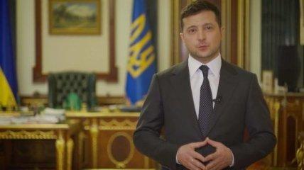 Президент Зеленський привітав з Днем матері