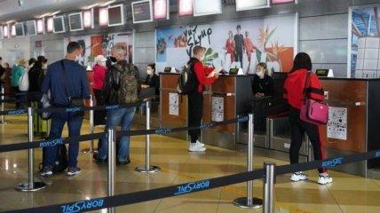 В Польшу отправились два самолета украинских заробитан