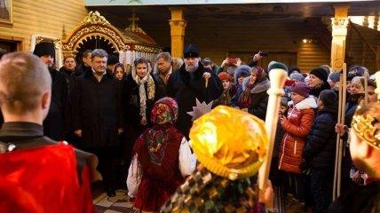 Президент с семьей принял участие в Рождественском богослужении
