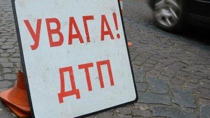 В Киеве авто влетело в забор Апелляционного суда, есть пострадавшие