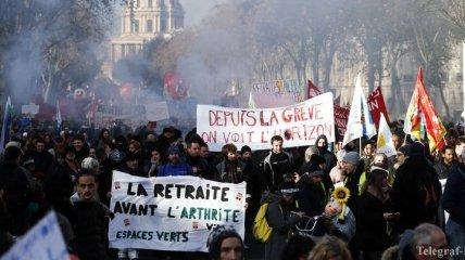 Опрос: что думают французы о массовых забастовках в стране
