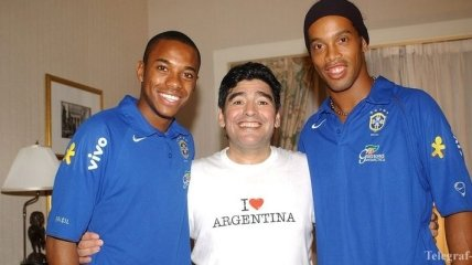 Роналдиньо может присоединиться к команде Марадоны
