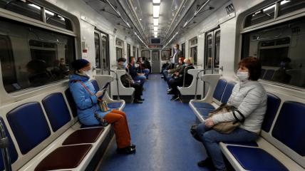 В метро и другом транспорте можно пребывать только в масках
