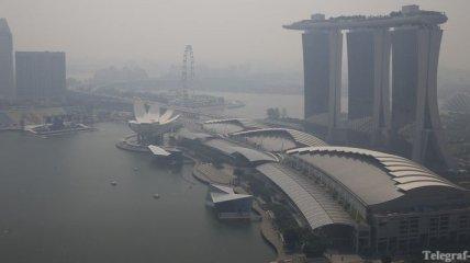 """Сингапур """"задыхается"""" в дыму"""