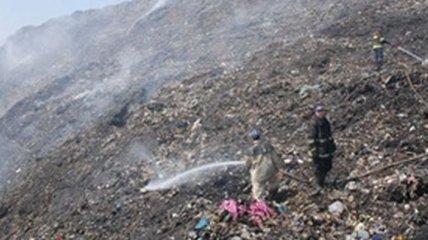 Во Львовской области спасатели потушили два пожара на мусоросвалках
