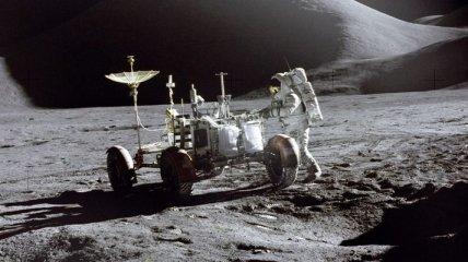 На аукционе продали часы, которые побывали на Луне за $1,6 млн