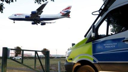 В аэропорту Лондона экоактивисты попытались запустить дрон, 11 задержанных