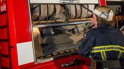 Ночью в Харькове горели 2 грузовика и автобус