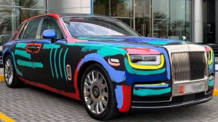 """""""Сочетание шика и искусства"""": Rolls-Royce Phantom превратился в арт-объект"""