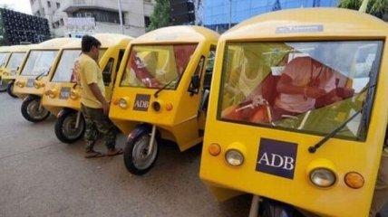 В столице Индии женщины будут водить электрические рикши