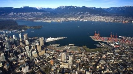 Протесты в Канаде вызвали очереди из судов в крупнейших портах страны