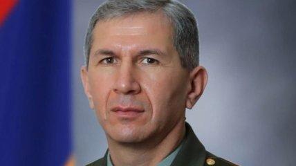 Продолжу службу: отставной глава Генштаба Армении ответил Пашиняну