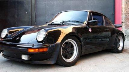 Porsche презентовал раритетный спорткар 930