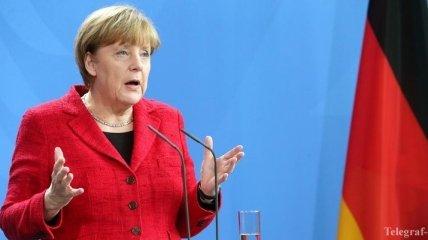 Меркель заявила, что ЕС не может защитить себя от внешних угроз