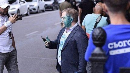 Нардепа от ОПЗЖ облили зеленкой: фото и видео