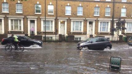 Непогода продолжает буйствовать в Европе: ливнями затопило Британию и Швейцарию (фото, видео)