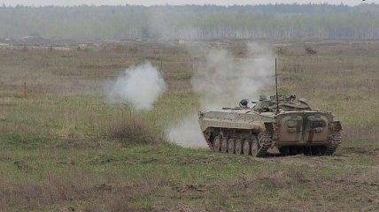 В зоне ООС подорвалась БМП: один военный погиб, еще трое ранены