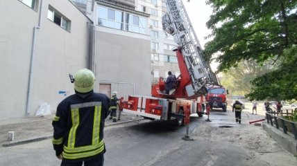 На Днепропетровщине пожарные вытащили из огня пенсионера