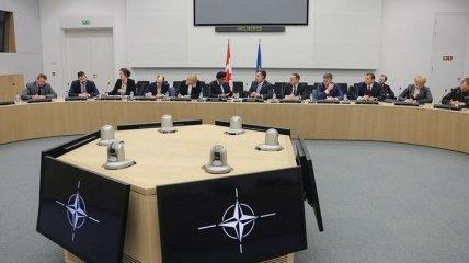 """НАТО напомнило Украине о выполнении выводов """"Венецианки"""" о языке образования"""