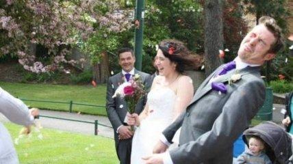 Посмейтесь от души: забавные свадебные снимки, которые вас обязательно развеселят
