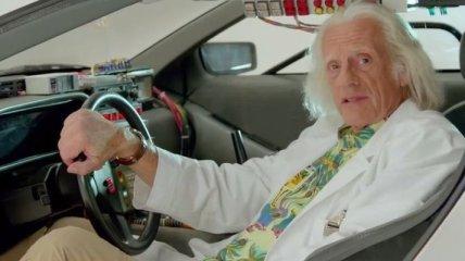 """Док Браун из фильма """"Назад в будущее"""" появится в """"Теории большого взрыва"""""""