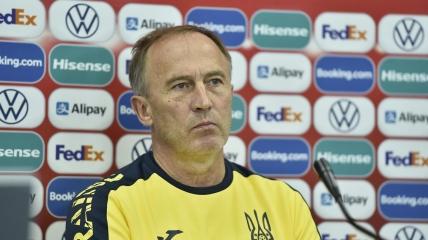 Александр Петраков на пресс-конференции перед матчем с Казахстаном