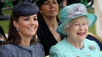 Кейт Миддлтон и Меган Маркл побывали на ланче у королевы Елизаветы II