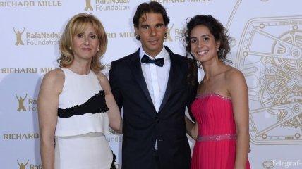 Надаль с мамой и девушкой открыл в Париже Nadal Foundation Gala (Фото)