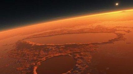 В атмосфере Марса обнаружено странное свечение