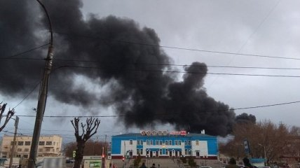 В Красноярске горит один из крупнейших оборонных заводов России (Видео)