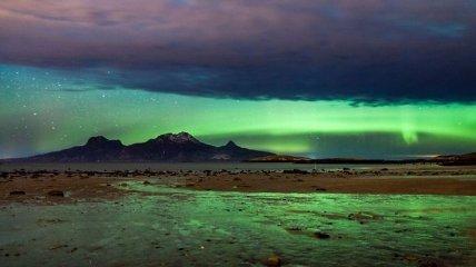 По мере таяния вечной мерзлоты в Арктике появляются провалы