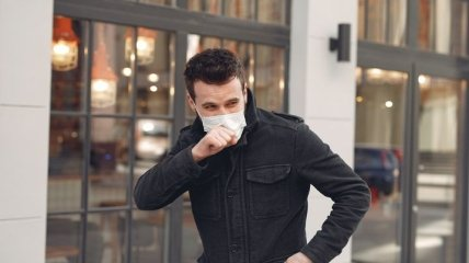 Как избавиться от кашля после коронавируса: доктор Комаровский дал несколько советов