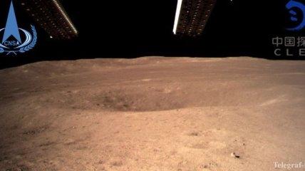 Китай впереди: космический зонд Chang'e-4 сделал первое фото с обратной стороны Луны