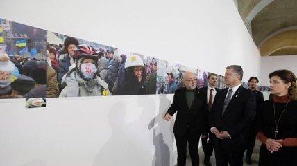 Президент Украины с родными Героев Небесной сотни почтил память погибших