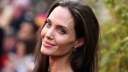 Анджелина Джоли опровергла обвинения в жестоком обращении с детьми на кастинге